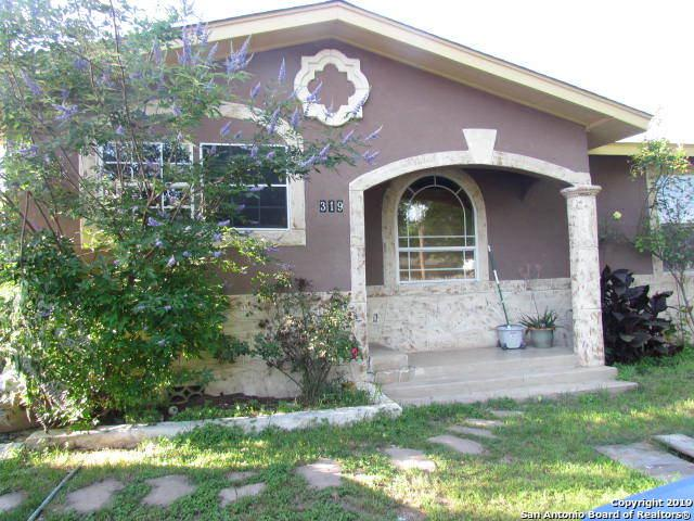 319 Clovis Pl, San Antonio, TX 78221 (MLS #1384894) :: Alexis Weigand Real Estate Group
