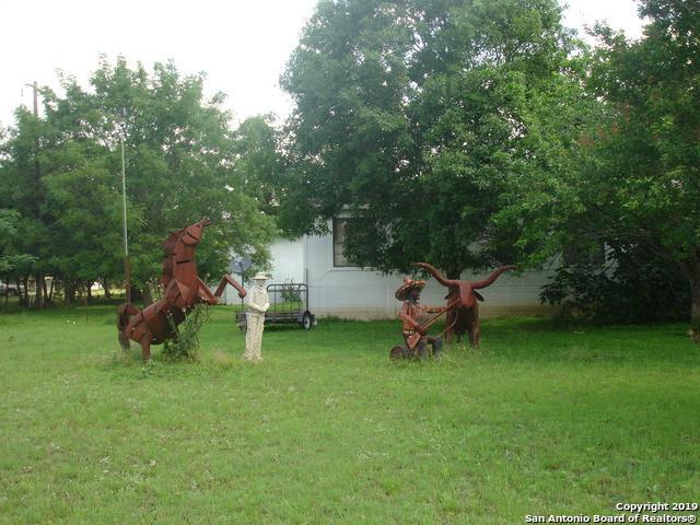 395 Big Meadows Drive, Bandera, TX 78003 (MLS #1384945) :: The Gradiz Group