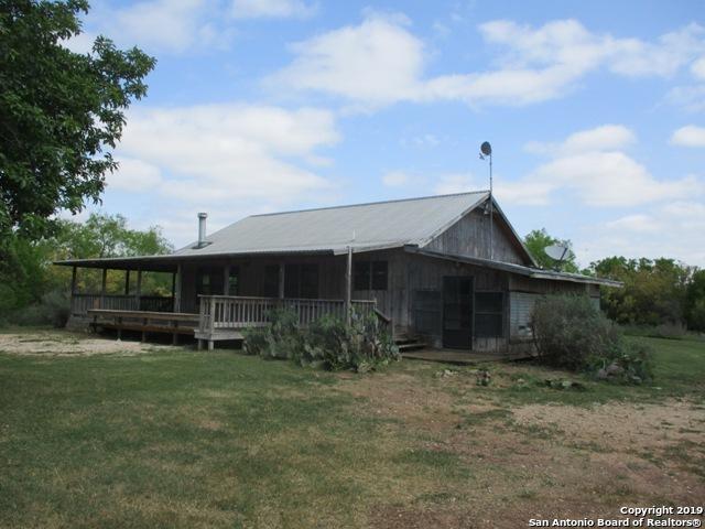 1848 County Road 2557, Moore, TX 78057 (MLS #1385008) :: The Gradiz Group
