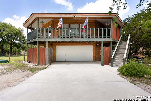 1217 Crossbow Dr, Canyon Lake, TX 78133 (MLS #1385078) :: Berkshire Hathaway HomeServices Don Johnson, REALTORS®