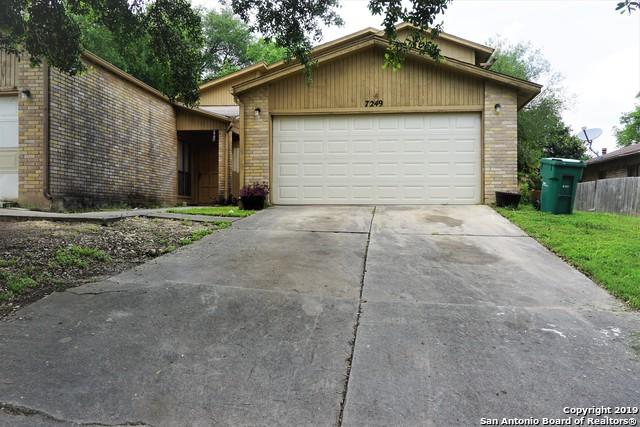 7251 Rimwood St, Live Oak, TX 78233 (MLS #1385089) :: The Gradiz Group