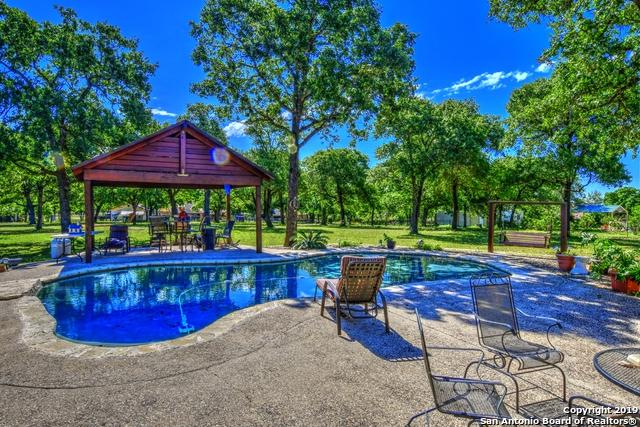 7989 Fm 775, La Vernia, TX 78121 (MLS #1385216) :: Glover Homes & Land Group
