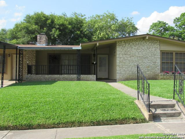 215 Southbridge St, San Antonio, TX 78216 (MLS #1385274) :: Alexis Weigand Real Estate Group