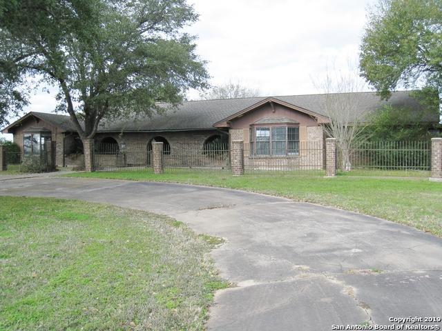 1488 E Us Highway 90, Waelder, TX 78959 (MLS #1385283) :: The Gradiz Group