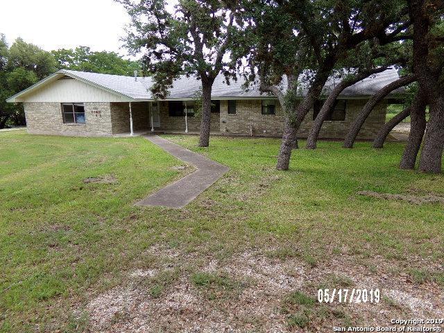 137 Cedar Drive East, Kerrville, TX 78028 (MLS #1385469) :: Glover Homes & Land Group