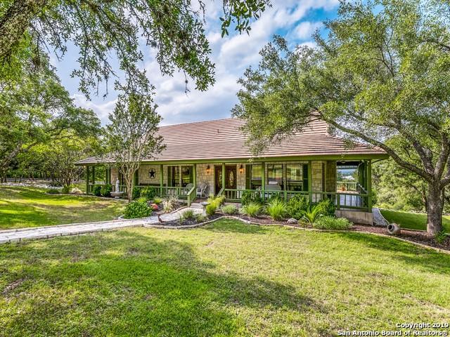 8109 Triple Crown, Boerne, TX 78015 (MLS #1385490) :: Glover Homes & Land Group