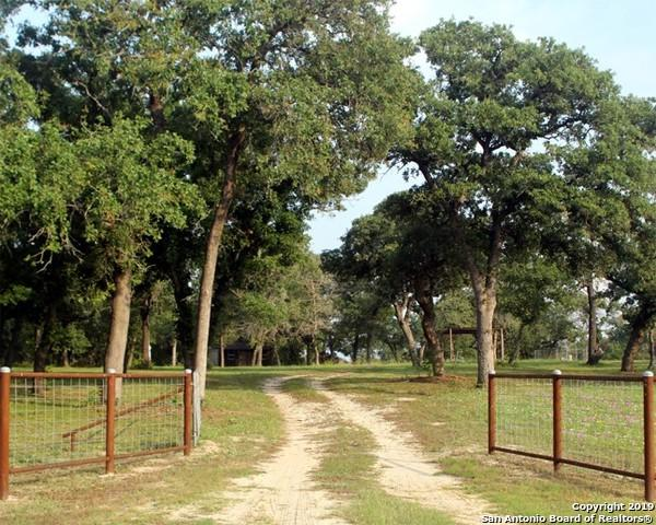 242 Oak Valley Rd, La Vernia, TX 78121 (MLS #1385539) :: Glover Homes & Land Group