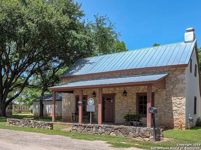 1213 Isabella St, Castroville, TX 78009 (MLS #1385838) :: Alexis Weigand Real Estate Group