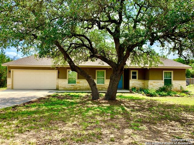 1371 Rocky Ridge Loop, Canyon Lake, TX 78133 (MLS #1386123) :: Neal & Neal Team