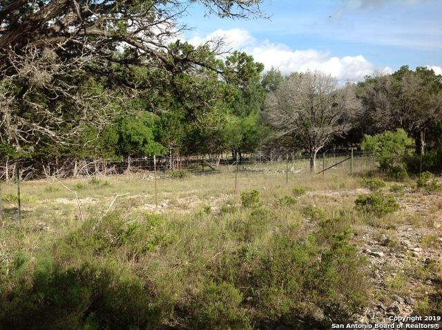 19068 Bandera Rd, Helotes, TX 78023 (MLS #1386141) :: Carolina Garcia Real Estate Group