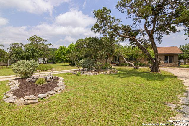 6208 Tanglewood Trail, Spring Branch, TX 78070 (MLS #1386152) :: Tom White Group