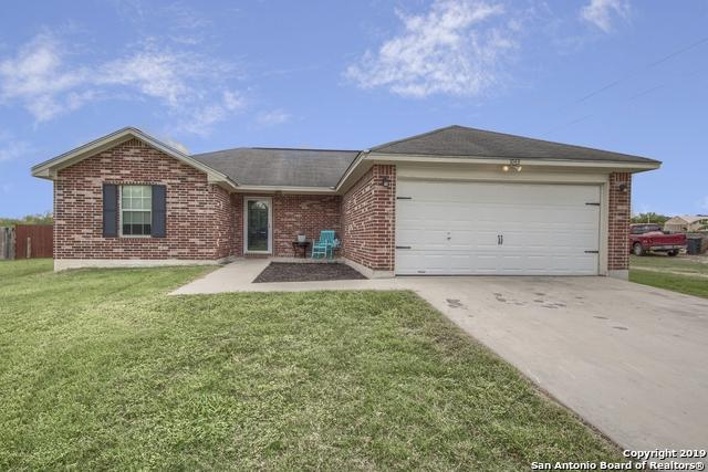 1043 Sheffield Rd, Seguin, TX 78155 (MLS #1386231) :: Alexis Weigand Real Estate Group
