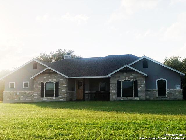 137 Sendera Crossing, La Vernia, TX 78121 (MLS #1386399) :: River City Group