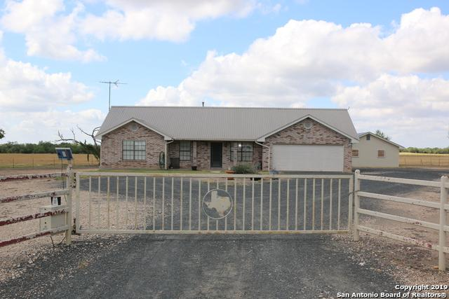 1100 County Road 544, Hondo, TX 78861 (MLS #1386431) :: Alexis Weigand Real Estate Group