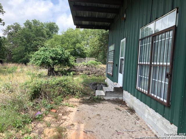1403 Meadow Glen, Adkins, TX 78101 (MLS #1386450) :: River City Group