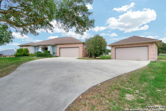 1425 Country Hills Dr, La Vernia, TX 78121 (MLS #1386508) :: Erin Caraway Group