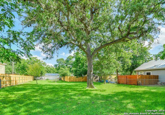 442 E North St, New Braunfels, TX 78130 (MLS #1386827) :: Erin Caraway Group
