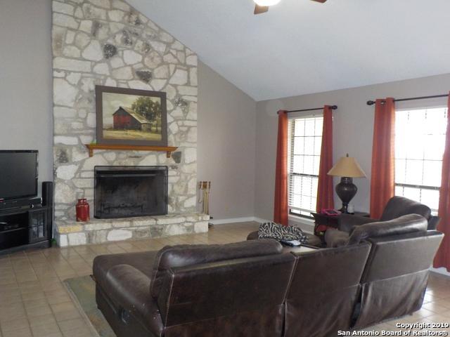 326 S Twin Oak, Adkins, TX 78101 (MLS #1386910) :: The Mullen Group   RE/MAX Access
