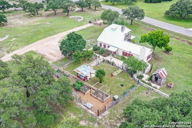 772 Rio Colorado, Boerne, TX 78006 (#1388269) :: The Perry Henderson Group at Berkshire Hathaway Texas Realty
