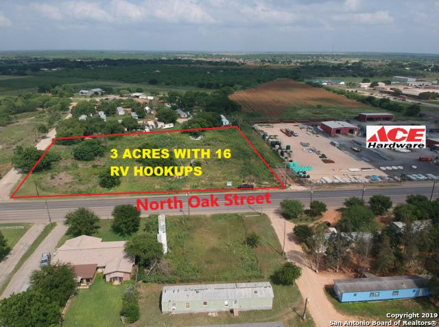 1600 I-35 Bl, Pearsall, TX 78061 (MLS #1389141) :: Exquisite Properties, LLC