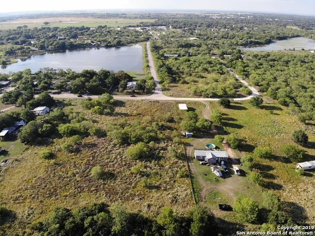 141 County Road 6845, Lytle, TX 78052 (MLS #1389728) :: Erin Caraway Group
