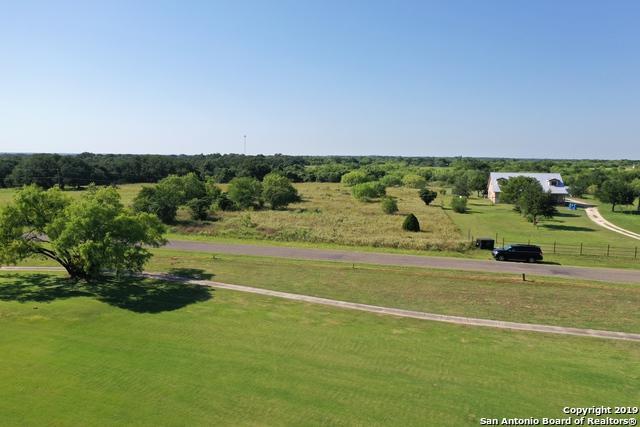 585 County Road 768, Devine, TX 78016 (MLS #1389851) :: BHGRE HomeCity