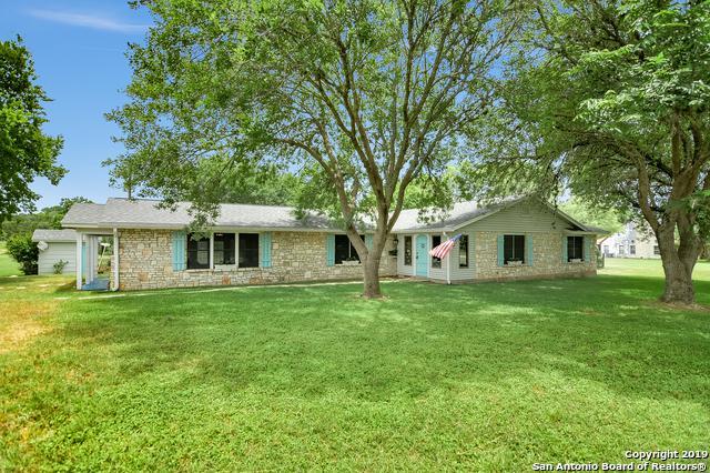 111 W Fabra Ln, Boerne, TX 78006 (MLS #1390516) :: BHGRE HomeCity