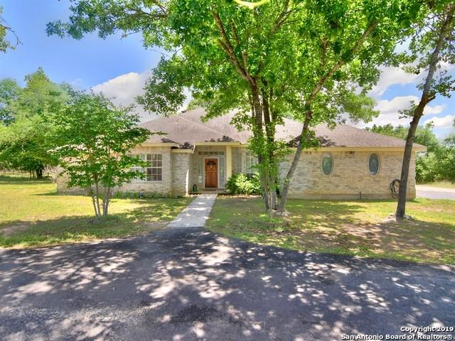 139 Willow Creek Dr, Floresville, TX 78114 (MLS #1390517) :: River City Group