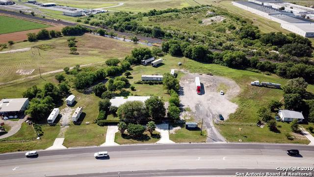 2906 Us Hwy 90, Hondo, TX 78861 (MLS #1390754) :: The Mullen Group | RE/MAX Access
