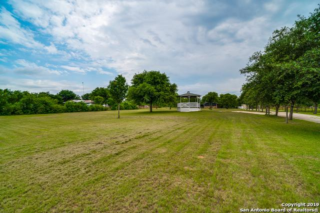 1007 Fm 1346, La Vernia, TX 78121 (MLS #1391375) :: River City Group