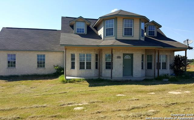 1231 County Road 320, Floresville, TX 78114 (MLS #1391414) :: River City Group