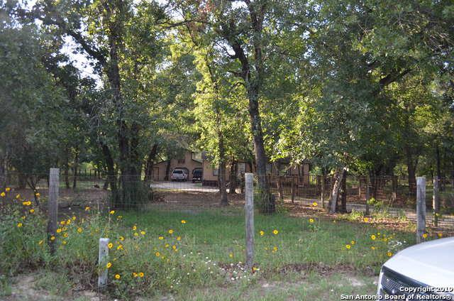 188 Oak View Dr, La Vernia, TX 78121 (MLS #1391548) :: Neal & Neal Team