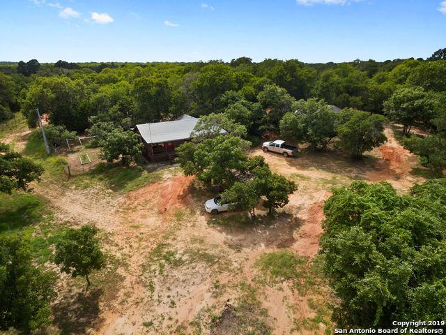 1043 Lewis Ln, Harwood, TX 78632 (MLS #1391571) :: Alexis Weigand Real Estate Group