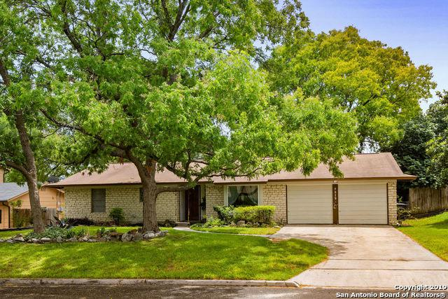 7919 Pinebrook Dr, San Antonio, TX 78230 (MLS #1391691) :: Laura Yznaga | Hometeam of America