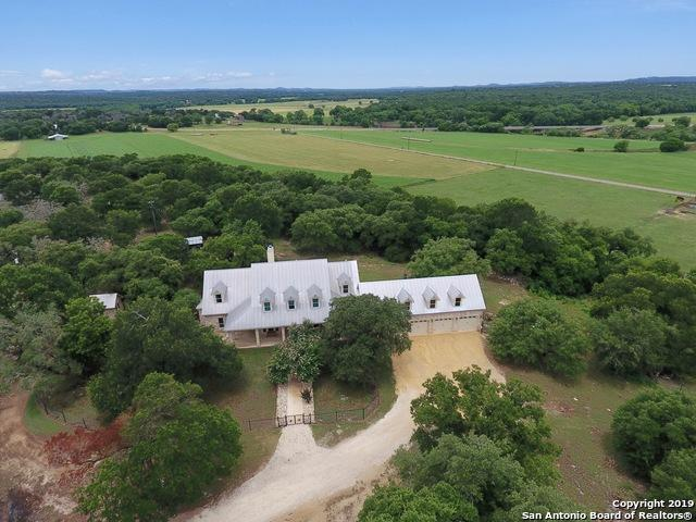 129 Siebenicher Rd, Boerne, TX 78006 (MLS #1391804) :: Alexis Weigand Real Estate Group