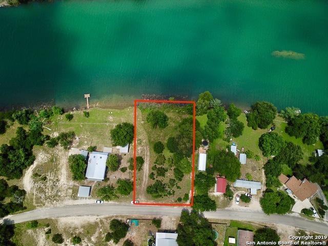 24 Lakeshore Dr N, Bandera, TX 78003 (#1391969) :: The Perry Henderson Group at Berkshire Hathaway Texas Realty