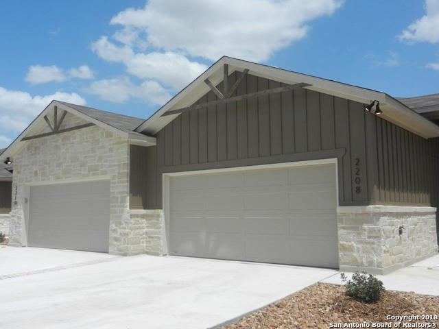 126 Oakcrest, Conroe, TX 77304 (MLS #1391983) :: Tom White Group