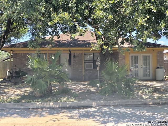 1501 Jodi Ln, Pleasanton, TX 78064 (MLS #1392054) :: Vivid Realty