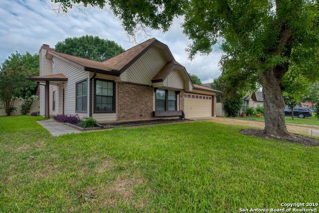 10626 Horn Blvd, San Antonio, TX 78240 (MLS #1392068) :: BHGRE HomeCity