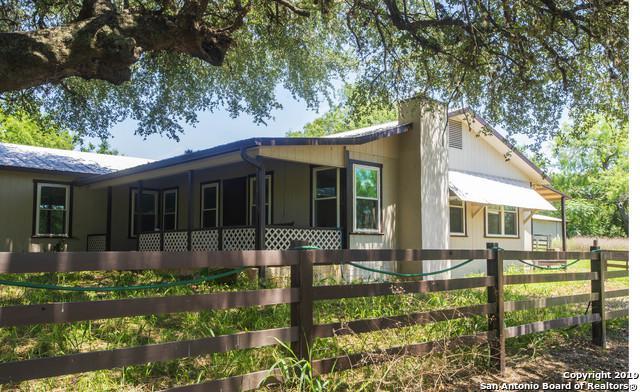 9720 Elmendorf Lavernia Rd, San Antonio, TX 78223 (MLS #1392310) :: Alexis Weigand Real Estate Group