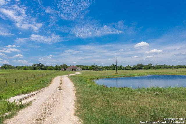 607 County Road 338, La Vernia, TX 78121 (MLS #1392444) :: Neal & Neal Team