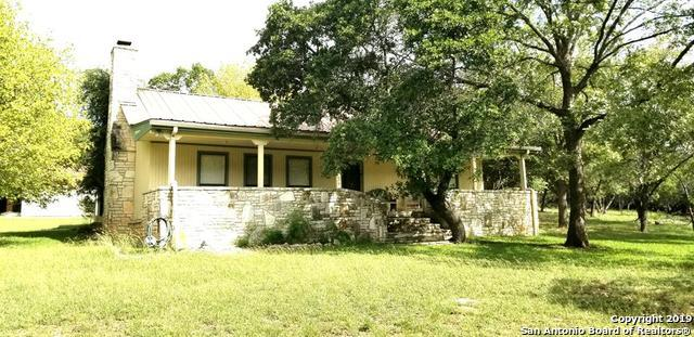 135 Lange Ravine Rd, Hunt, TX 78024 (MLS #1392540) :: The Gradiz Group