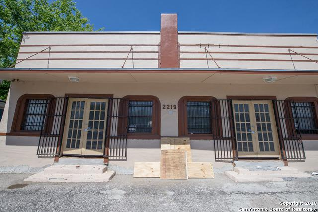 2219 S Flores St, San Antonio, TX 78204 (MLS #1392911) :: Magnolia Realty