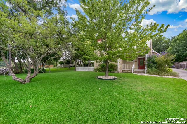 117 W Evergreen St, Boerne, TX 78006 (MLS #1392919) :: Alexis Weigand Real Estate Group