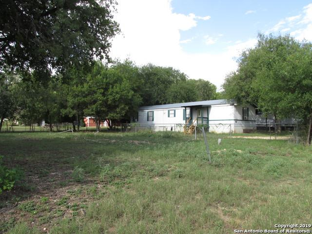 274 W Johnson St, Utopia, TX 78884 (MLS #1393003) :: Santos and Sandberg