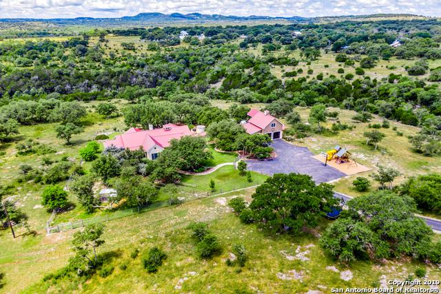 1207 Breeze Way, Boerne, TX 78006 (MLS #1393037) :: Alexis Weigand Real Estate Group