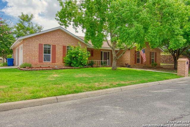 1016 Jasmine Dr, Floresville, TX 78114 (MLS #1393173) :: Magnolia Realty