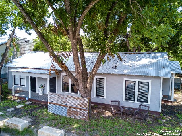 133 Hampe St, New Braunfels, TX 78130 (MLS #1393179) :: Magnolia Realty