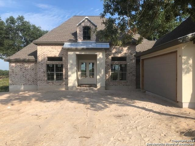 140 E Ashton Blvd, Floresville, TX 78114 (MLS #1393181) :: Magnolia Realty