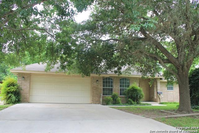 632 E Donegan St, Seguin, TX 78155 (MLS #1393225) :: Alexis Weigand Real Estate Group